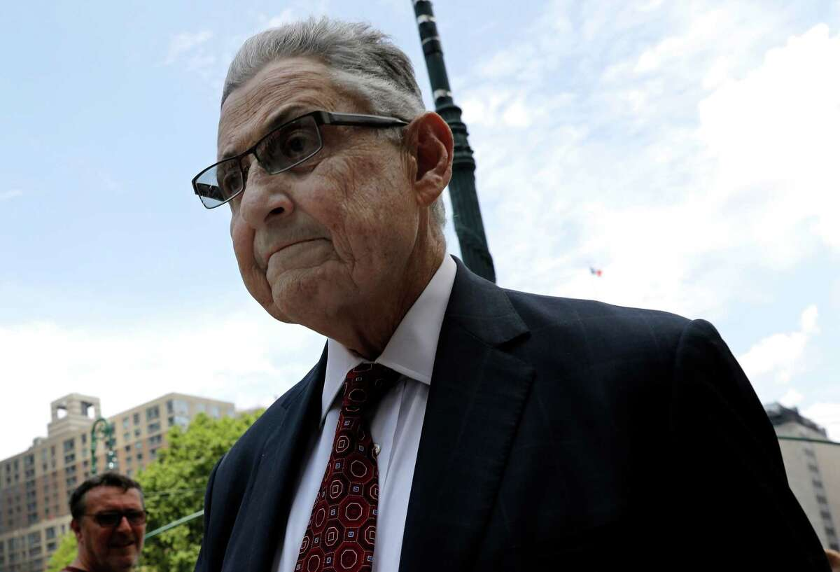 Sheldon Silver, former speaker of the New York State Assembly, arrives at federal court in New York, U.S., on Friday, July 27, 2018. Geoffrey Berman, the U.S. attorney for the Southern District of New York, announced today that former Silver was sentenced this afternoon to seven years in prison after having been found guilty a second time by a federal jury of using his official position to obtain nearly $4 million in bribes in exchange for his official acts and obtaining another $1 million through laundering the proceeds of his crimes. Photographer: Peter Foley/Bloomberg