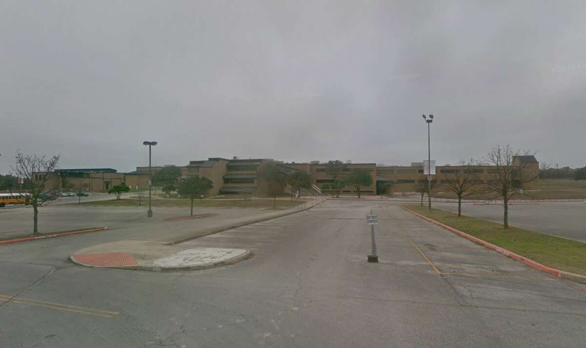 23. (tie) William H. Taft High School,Northside ISDFighting or mutual combat incidents during the 2016-2017 school year: 40 Enrollment during the 2016-2017 school year: 3,220