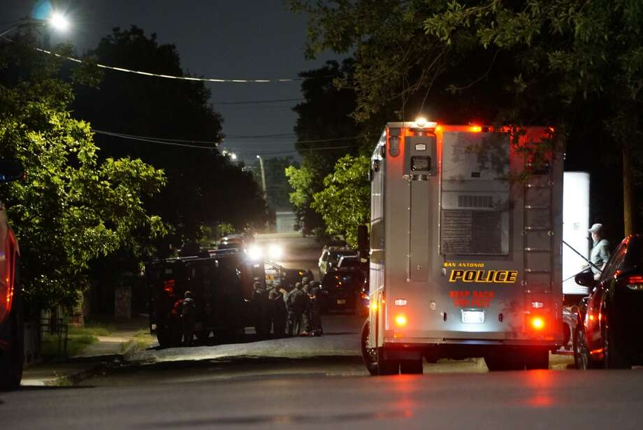 SAPD: Man barricades self in West Side home after