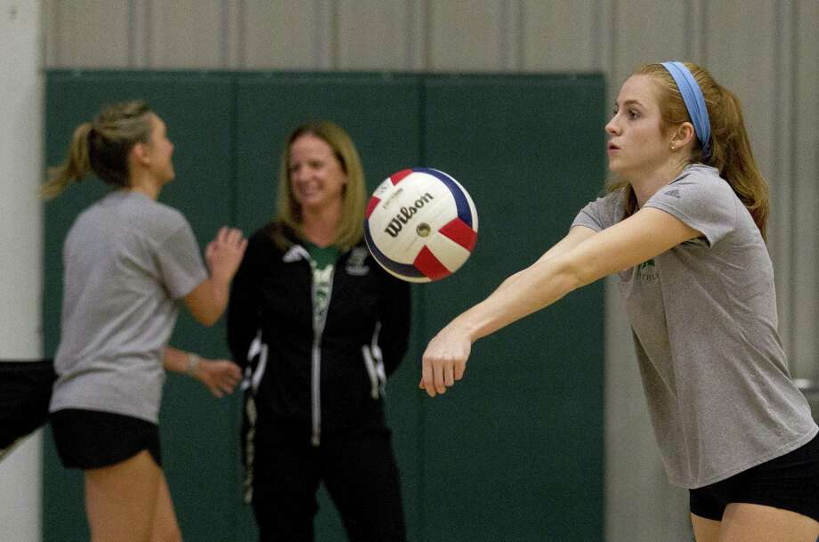 Macie Draudt makes a pass during volleyball practice at The Woodlands Christian Academy, Tuesday, Nov. 7, 2017, in The Woodlands. Photo: Jason Fochtman, Staff Photographer / Houston Chronicle / © 2017 Houston Chronicle