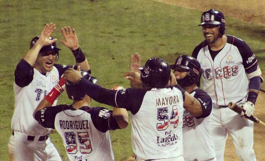 Josh Rodriguez hit a grand slam capping off a sixth inning featuring nine runs without an out for the Tecolotes Dos Laredos as they won 9-5 over the Sultanes de Monterrey on Sunday night. Photo: Courtesy Of The Tecolotes Dos Laredos