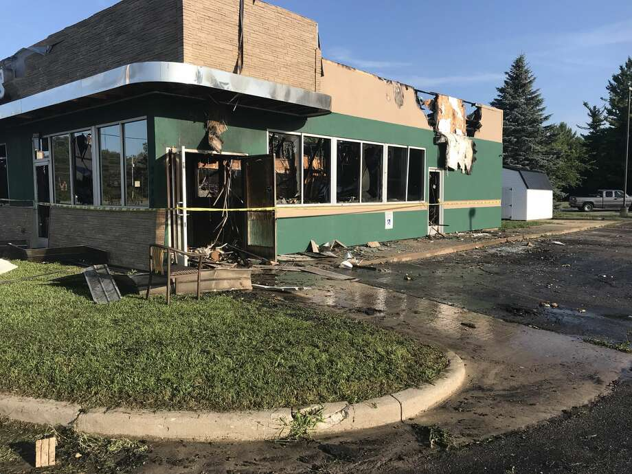 A fire damaged Furlo's Pizza and Pasta, 3420 Isabella St., on Monday, July 30, 2018. (Lori Qualls/lqualls@mdn.net) Photo: Lori Qualls/lqualls@mdn.net