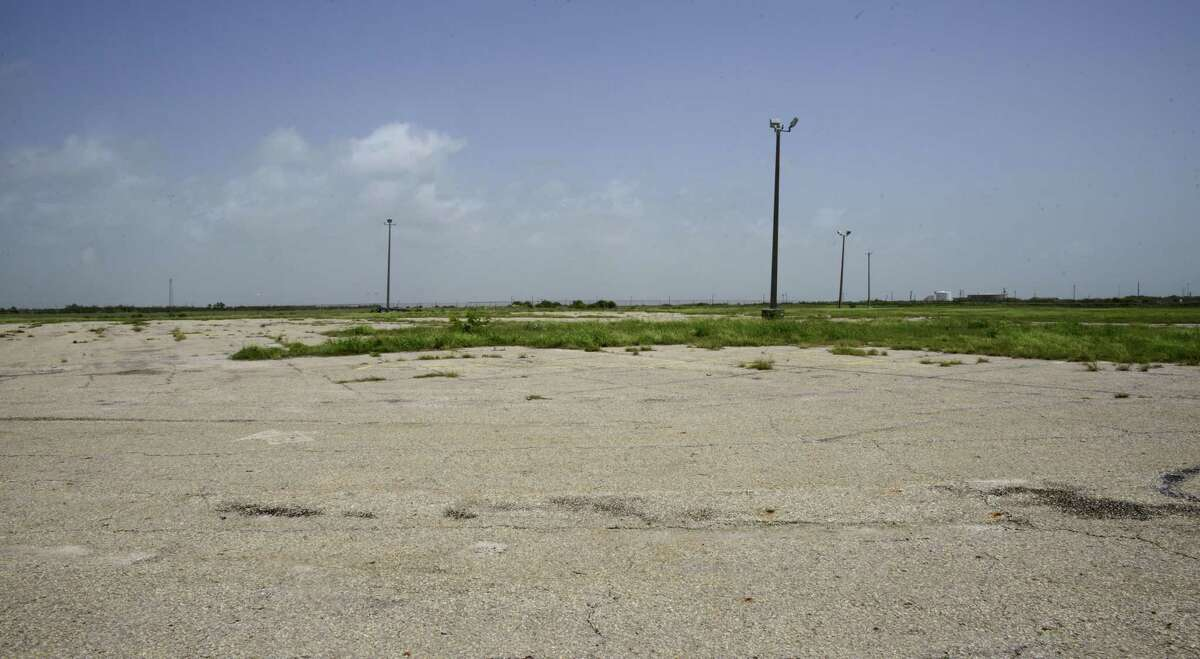 Harbor Island is the site of a 250-acre crude oil terminal proposed by the Port of Corpus Christi. It formerly hosted an Exxon terminal.