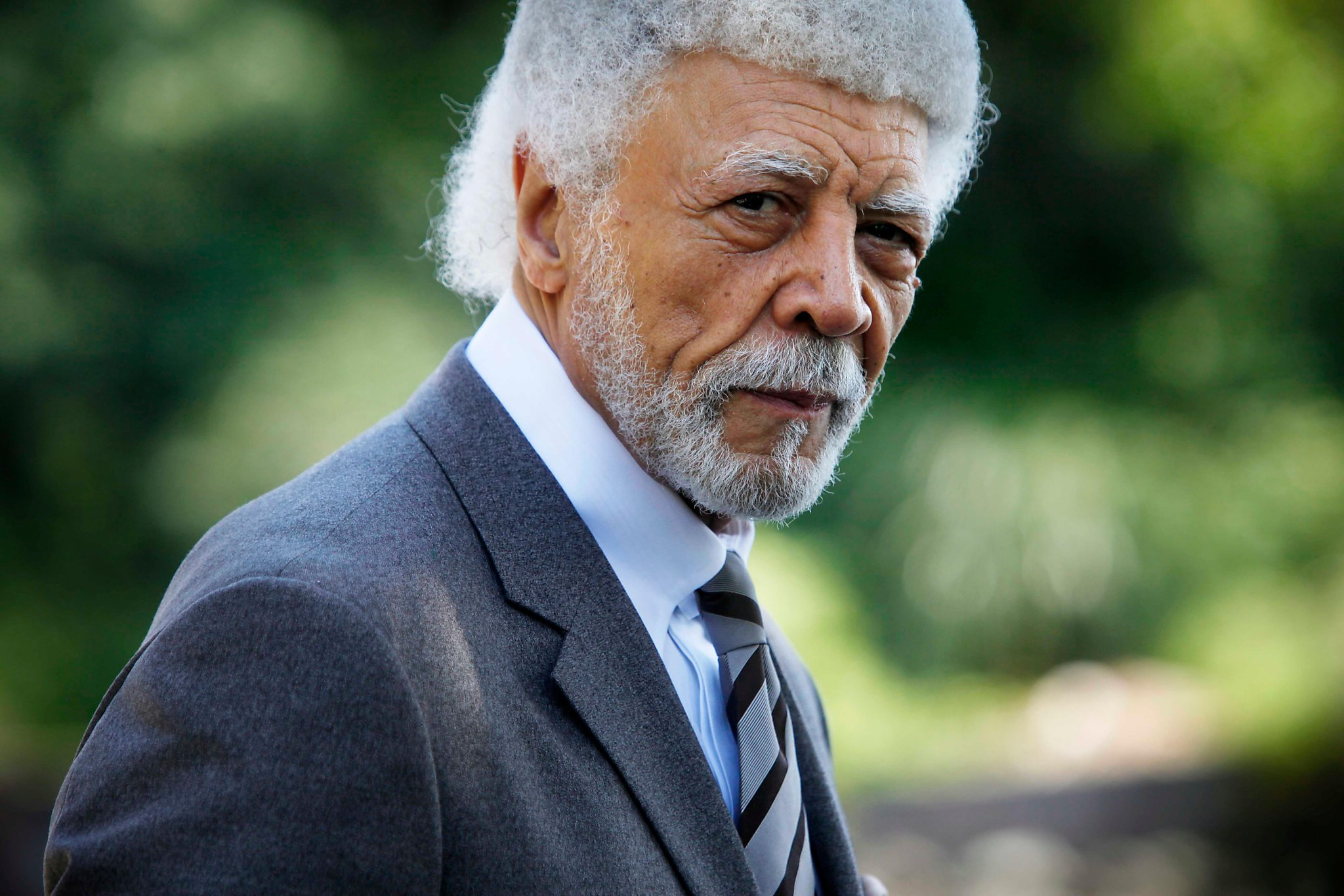 Ron Dellums, former congressman and Oakland mayor, dies at age 82
