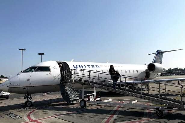 A United Express CRJ at Burbank Airport