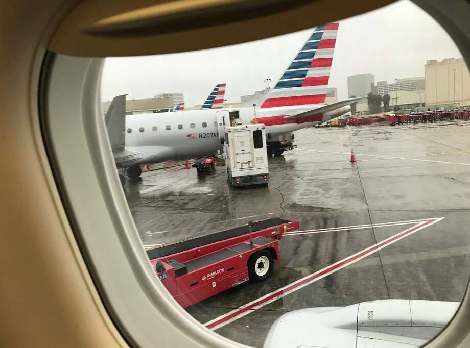 A nice big square window on an American Airlines Embraer 175 SFO to LAX Photo: Chris McGinnis