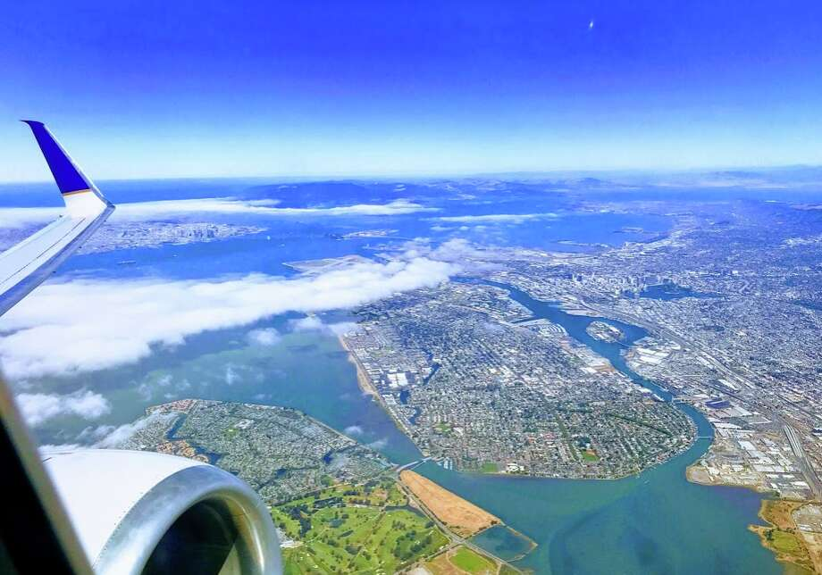 Flying United from SFO to Atlanta and flying over Alameda and Oakland Photo: Chris McGinnis
