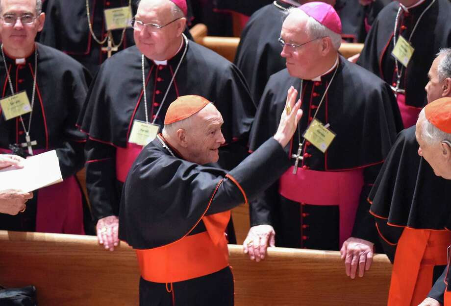 Cardinal Theodore McCarrick waves to fellow bishops at the Cathedral of St. Matthew the Apostle in Washington in September 2015, during Pope Francis's visit. Photo: Washington Post Photo By Jonathan Newton / The Washington Post