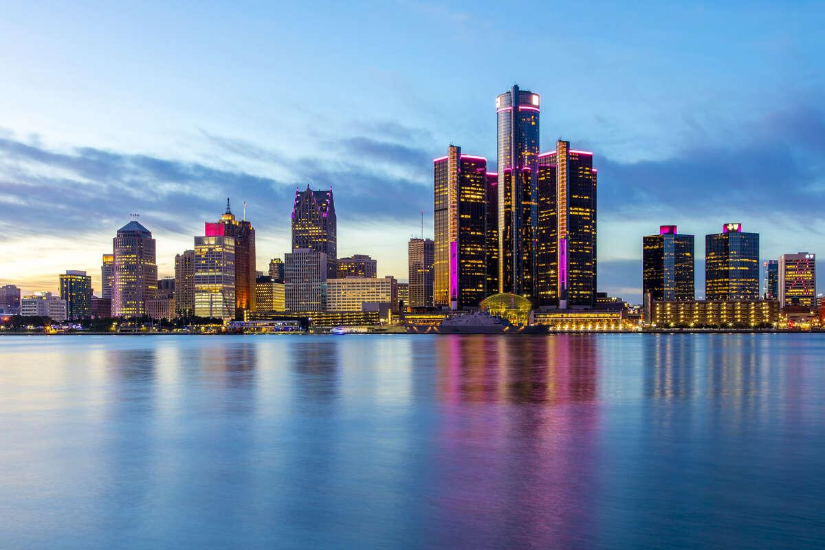 DetroitReverse commuters: 66.9 percent
