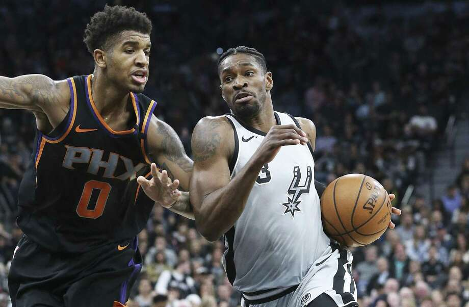 San Antonio Spurs guard Brandon Paul (3) moves to the hoop Phoenix Suns forward Marquese Chriss (0) as the Spurs host the Suns at the AT&T Center on January 5, 2018 Photo: Tom Reel, Staff / San Antonio Express-News / 2017 SAN ANTONIO EXPRESS-NEWS