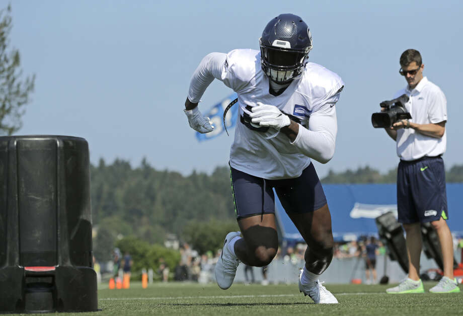 Seahawks defensive end Frank Clark participated in 11-on-11 drills for the first time at training camp on Sunday.  Photo: Ted S. Warren/Associated Press