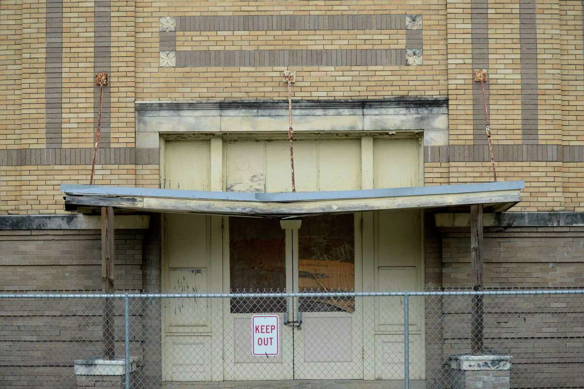 Beacon Hill Elementary School, which dates to 1915, needs $5 million in renovations, according to the SAISD.