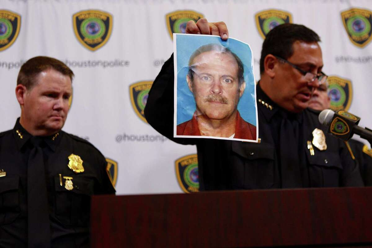 Houston Police Department chief Art Acevedo shows a photo of Joseph James Pappas, the suspect in the July 20 slaying of Dr. Mark Hausknecht. Pappas killed himself in an Aug. 3 standoff with police.
