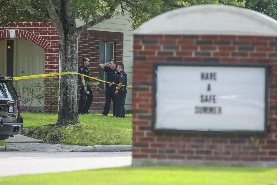 Police investigate the home where a 14-year-old was shot on Ambrosia Falls Drive, Tuesday, July 31, 2018 in Tomball. Photo: Mark Mulligan, Staff Photographer / Houston Chronicle / © 2018 Mark Mulligan / Houston Chronicle