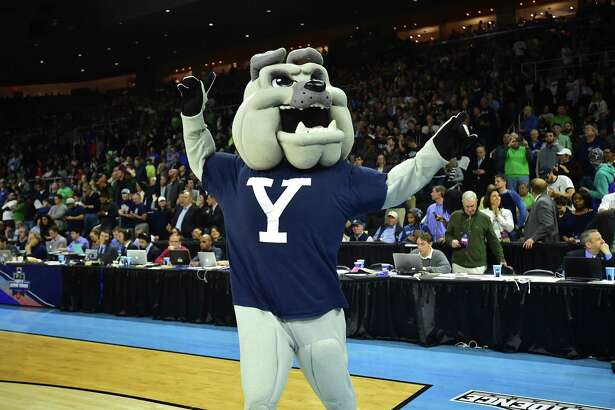 The Yale mascot celebrates the Bulldogs' victory over Baylor in the NCAA tournament in 2016.
