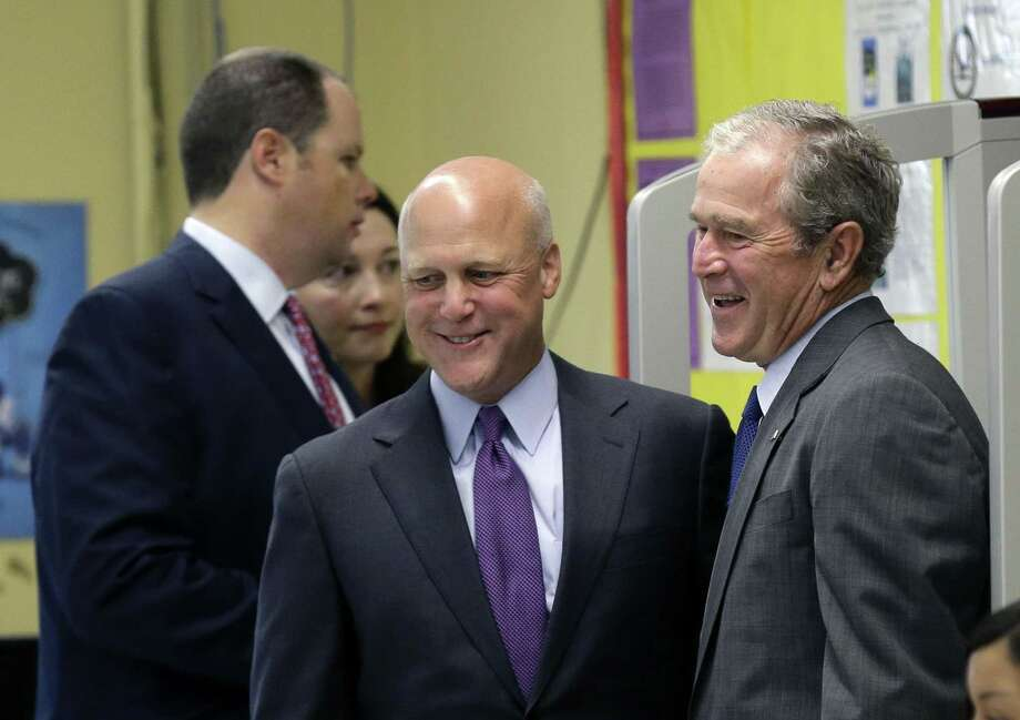 If Democrats nominate former New Orleans Mayor Mitch Landrieu (center, with President George W. Bush in 2015) for president, the opportunity for a third party run disappears. Photo: File Photo /Associated Press / AP