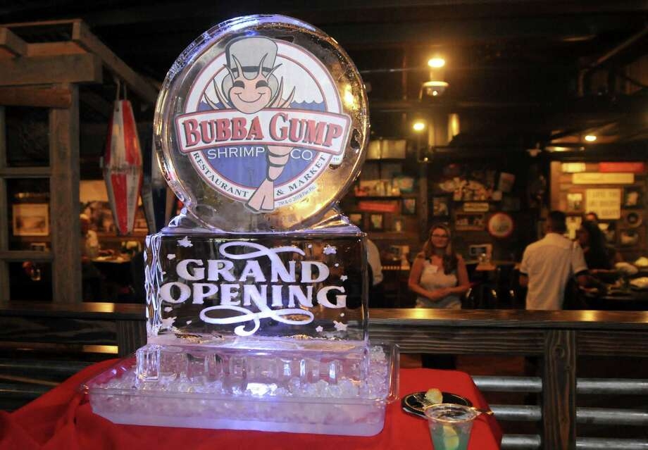 Bubba Gump Shrimp Com. Restaurant and Market held a VIP welcome Aug. 1 at the chain's new River Walk location. The restaurant opens for business at 11 a.m. Aug. 2. Photo: Paul Stephen /Staff