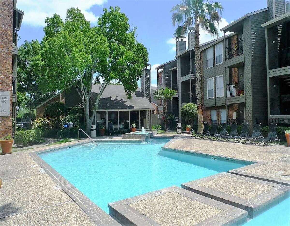 The 364-unit Huntington Glen Apartments has been sold to GVA Real Estate Group.