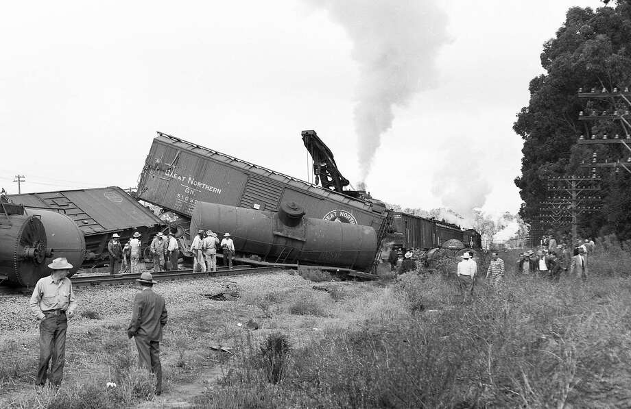 A 56-car Southern Pacific freight train derails near the Burlingame-Millbrae border on Aug. 19, 1953. Photo: Bob Campbell / The Chronicle 1953