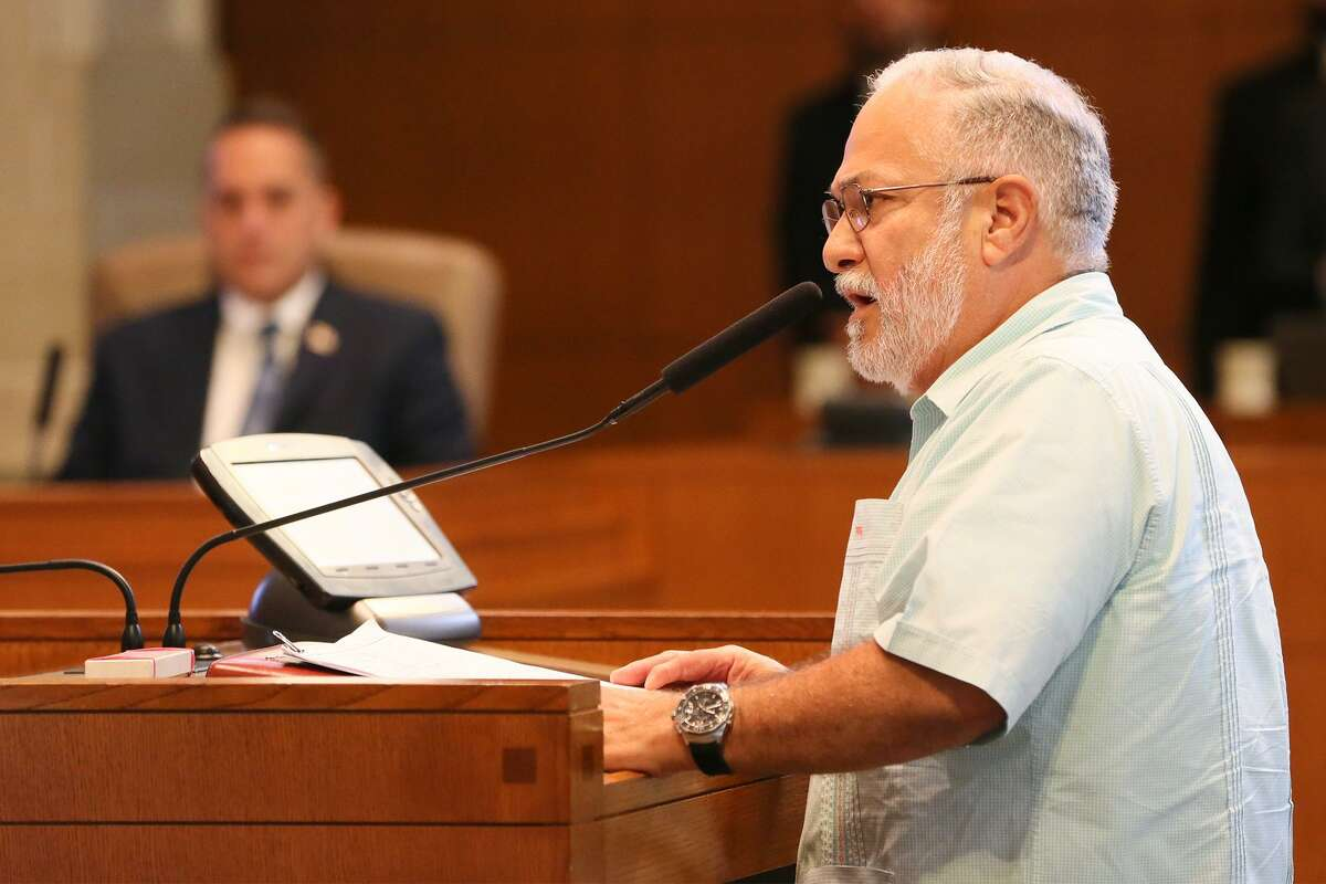 Patrick Garcia, a board member of the San Antonio Manufacturers Association, speaks in opposition of a proposed paid sick leave ordinance at a City Council meeting on Thursday, Aug. 2, 2018.