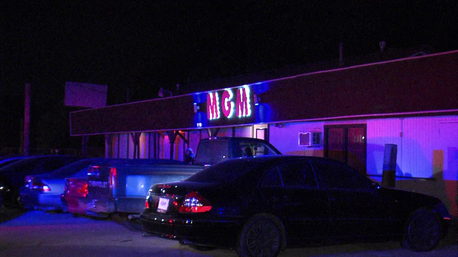 BCSO: Two shot outside San Antonio-area strip club - San ...