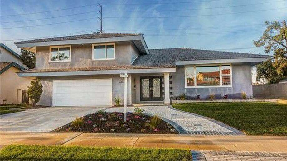 864b469e2661d  Flip or Flop  House Is Being Sold With a Price Cut—but Don t Cry for Tarek  and Christina