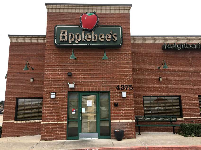 Applebee's: Active-duty and retired military can receive a complimentary full-size entree from an exclusive menu. Guests can buy a Budweiser, Bud Light or O'Douls beer at their local Applebee's to be given to a veteran free of charge on Veterans Day as part of the 'Buy a Vet a Bud' program, which continues through Nov. 11.