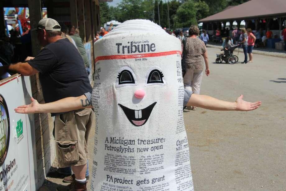 Dale E. Tribune visits the Huron Community Fair. Photo: Seth Stapleton/Huron Daily Tribune