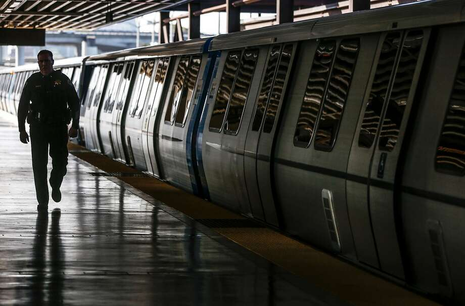 BART said Monday that it received multiple calls about a man on a train with two chainsaws and responded within minutes as the man exited at an Oakland station. Photo: Jessica Christian / The Chronicle