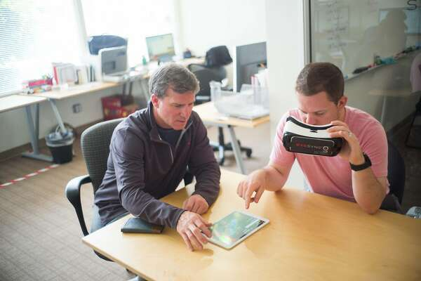 Researcher Looks To Eye Tracking Device >> Stanford Researchers Start Concussion Study With High School