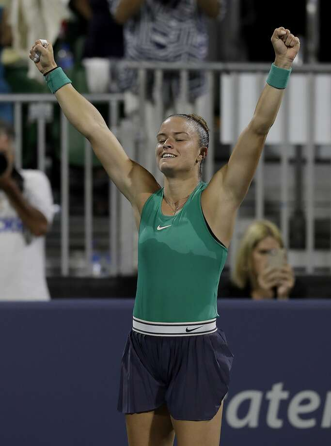 Maria Sakkari exults after beating Venus Williams and advancing to a semifinal match against Danielle Collins. Photo: Jeff Chiu / Associated Press