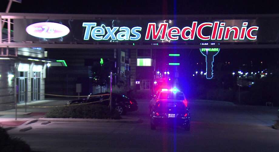 Deputies did not know if the man drove himself to the clinic or was taken by friends. Photo: J.J. Trevino / 21 Pro Video