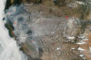 NASA's Aqua satellite captured a natural color image of Calif.'s wildfires.