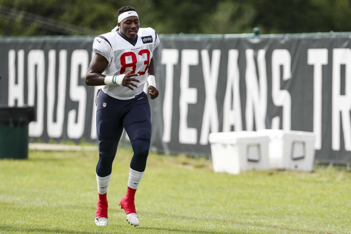 Houston Texans tight end Jordan Thomas (83) jogs around the field before practice during training camp at the Greenbrier Sports Performance Center on Saturday, Aug. 4, 2018, in White Sulphur Springs, W.Va.