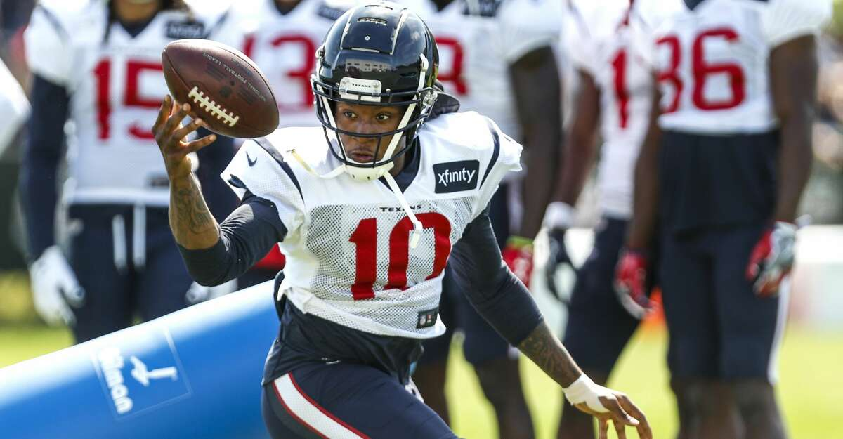 PHOTOS: Best photos from the Texans' 2018 training camp Houston Texans wide receiver DeAndre Hopkins (10) reaches out to make a one-handed catch during training camp at the Greenbrier Sports Performance Center on Saturday, Aug. 4, 2018, in White Sulphur Springs, W.Va. >>>See the best photos from the Texans' 2018 training camp at The Greenbrier in West Virginia ...