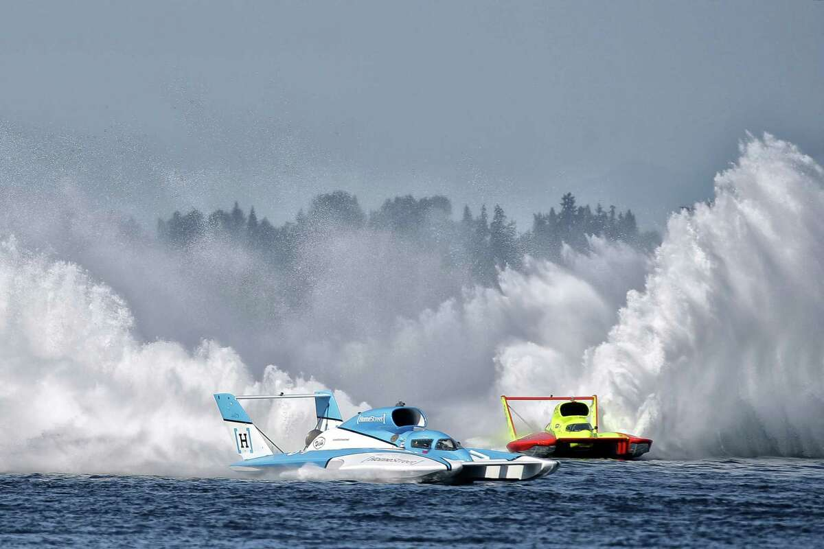 The Homestreet hydroplane takes the lead in the H1 Unlimited event during the 2018 annual Seafair Weekend Festival at Genesee Park, Sunday, Aug. 5, 2018.
