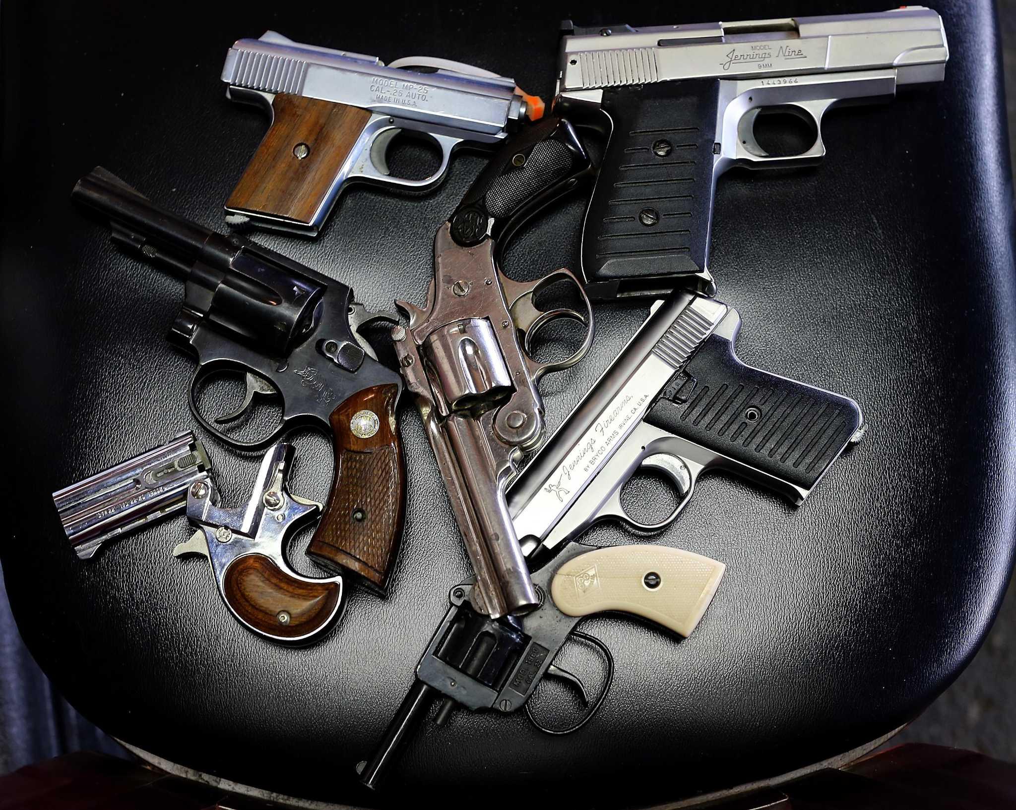 Природа каждому оружие дала