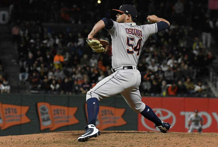 Roberto Osuna of the Houston Astros pitches against the San Francisco Giants in the bottom of the eighth inning at AT&T Park on August 6, 2018 in San Francisco, Calif. Photo: Thearon W. Henderson, Stringer / Getty Images / 2018 Getty Images