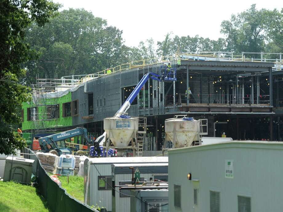 Construction continues on New Lebanon School in the Byram section of Greenwich, Conn. Tuesday, Aug. 7, 2018. Photo: Tyler Sizemore / Hearst Connecticut Media / Greenwich Time