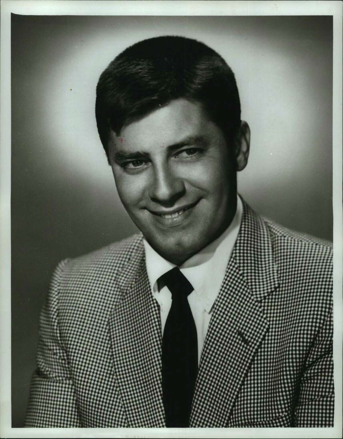 Jerry Lewis died in 2017, three years after Mick LaSalle wrote his obituary.