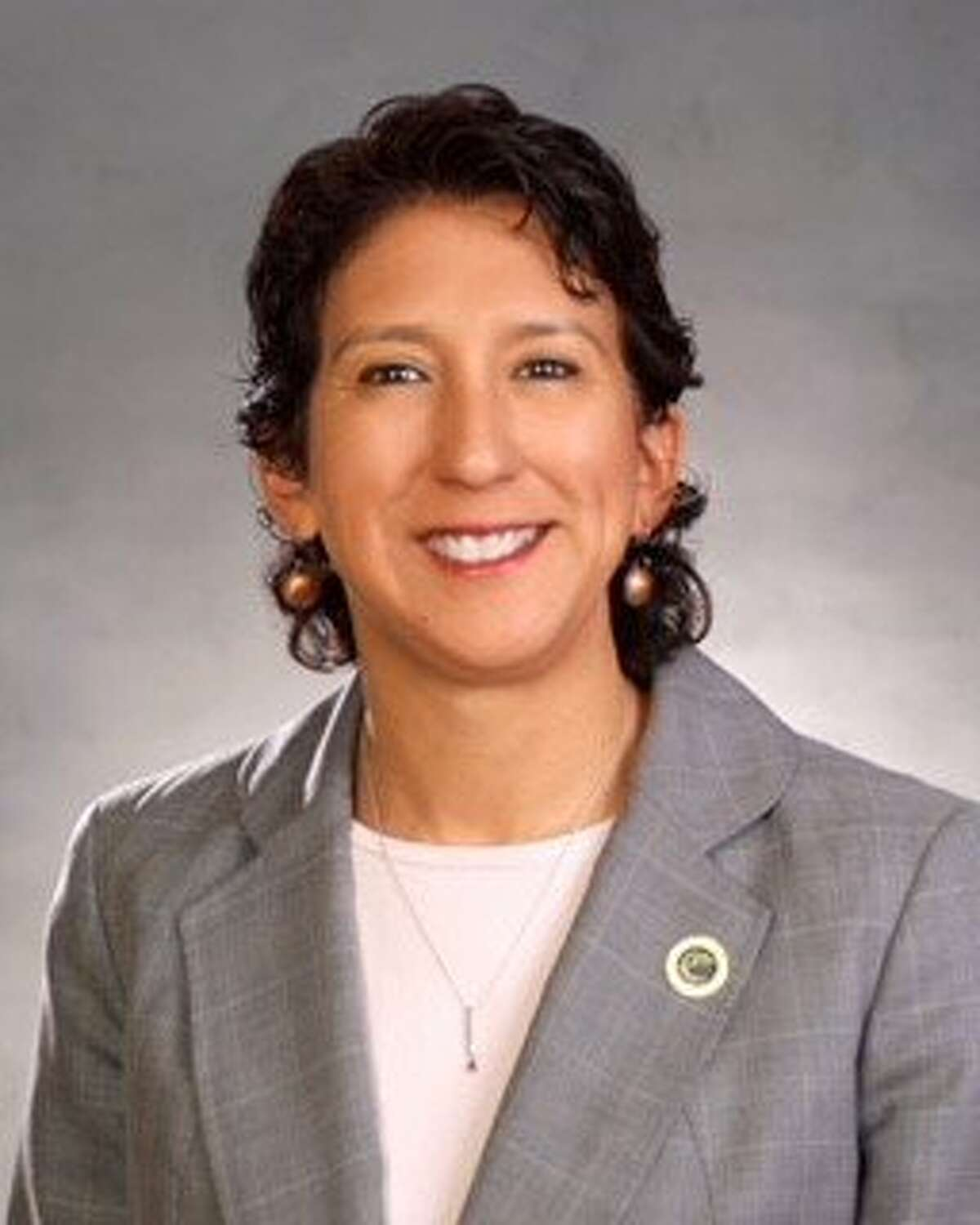 Cecilia Estolano, president of the�California Community Colleges,�has been appointed to the UC Board of Regents