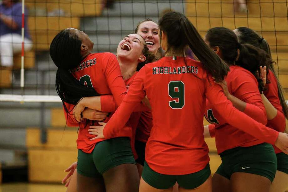 The Woodlands Highlanders celebrate during the volleyball game on Tuesday, Aug. 7, 2018, at The Woodlands High School. (Michael Minasi / Houston Chronicle) Photo: Michael Minasi, Staff Photographer / Houston Chronicle / © 2018 Houston Chronicle