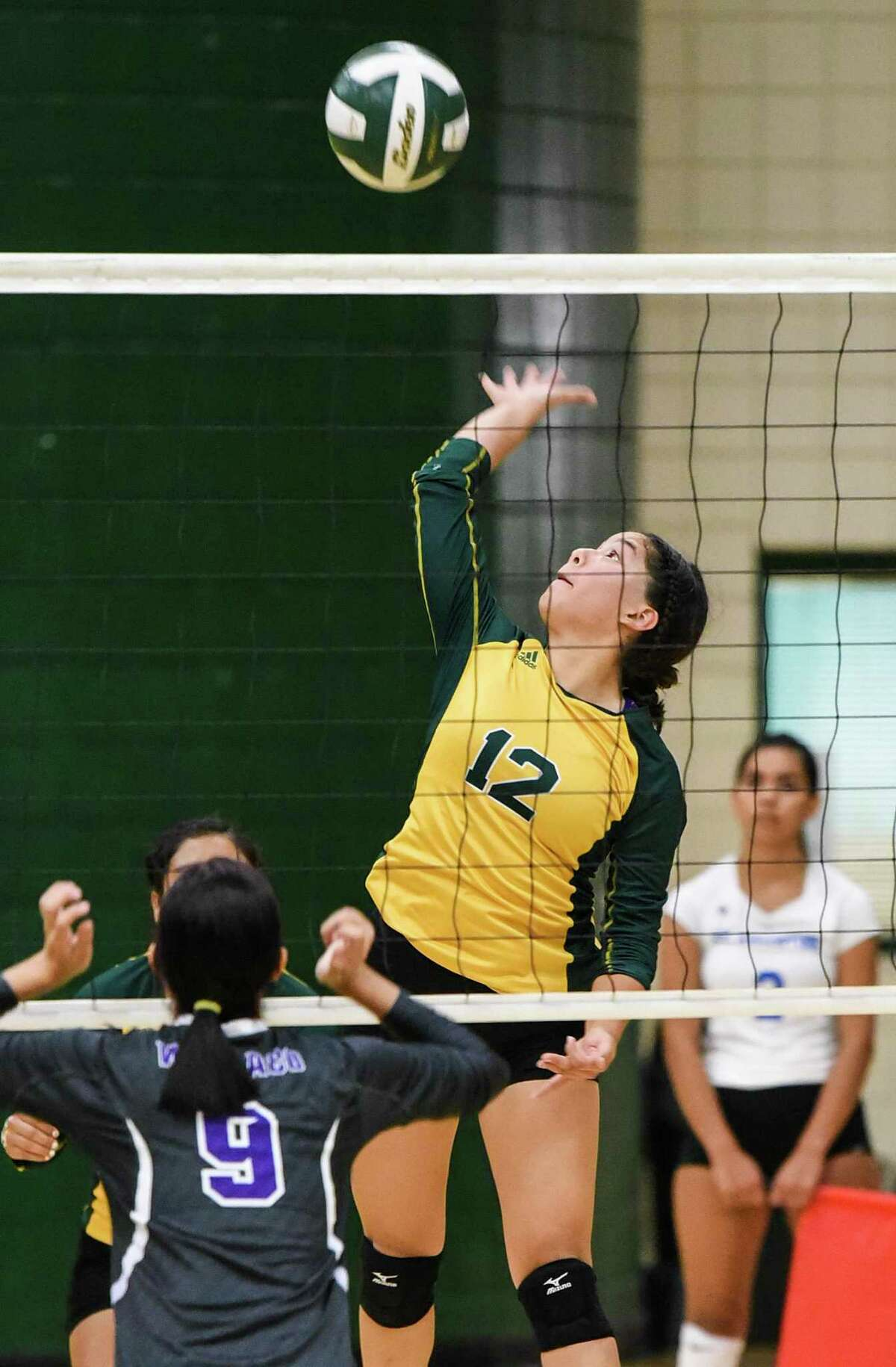 Geraldine Valles combined for 32 kills in a pair of 3-1 victories Wednesday as Nixon beat Alice and Kingsville in a tri-match.