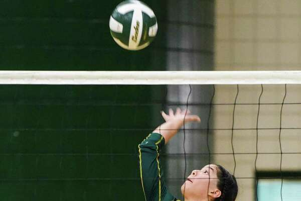 Nixon hosted a tri-match to open its season Tuesday and fell 2-0 against Weslaco and 2-1 against St. Augustine.