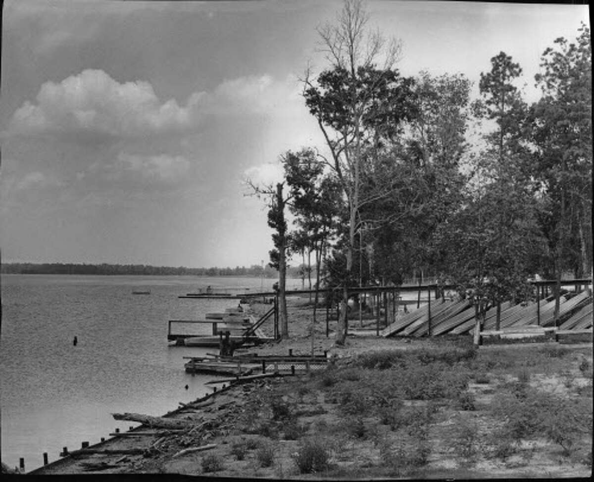 05/1957 - Canoes are a popular recreational activity on Lake Houston.