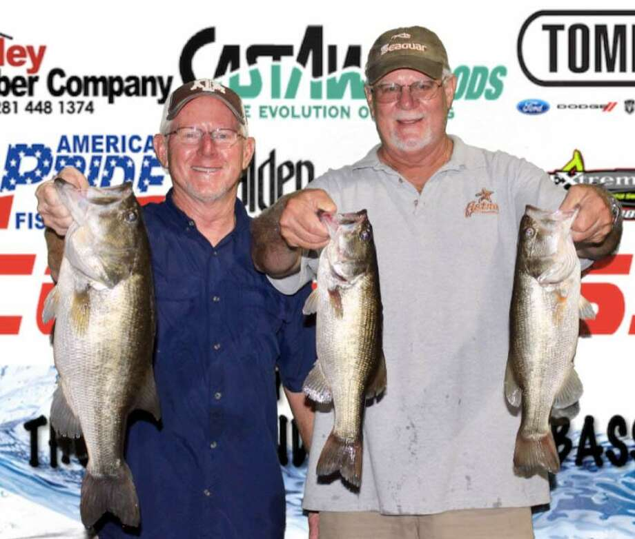 David Perciful and Wesley Ialacci won the CONROEBASS Tuesday Tournament with a stringer total weight of 10.11 pounds. Photo: Conroe Bass