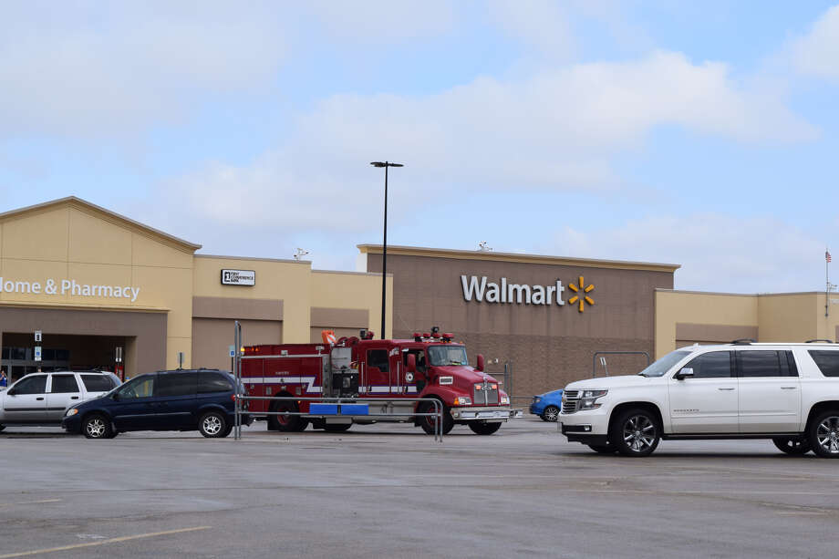 Businesses in west Plainview were evacuated Wednesday to a foul smell of what was thought to be natural gas. Photo: Ellysa Harris/Plainview Herald