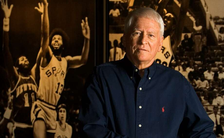 Bob Bass, the down-home-but-shrewd basketball lifer whose personnel decisions and advice to team owners left an indelible mark on the Spurs during their first two decades, died Friday night at his San Antonio home. He was 89. (WILLIAM LUTHER/STAFF) Photo: WILLIAM LUTHER, STAFF / SAN ANTONIO EXPRESS-NEWS / SAN ANTONIO EXPRESS-NEWS