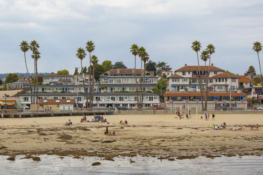 Santa Cruz County Percent of housing units at high to extreme risk: 50 percent Number of housing units at high to extreme risk: 52,400 Photo: Kylie McLaughlin / Getty Images / Lonely Planet Images