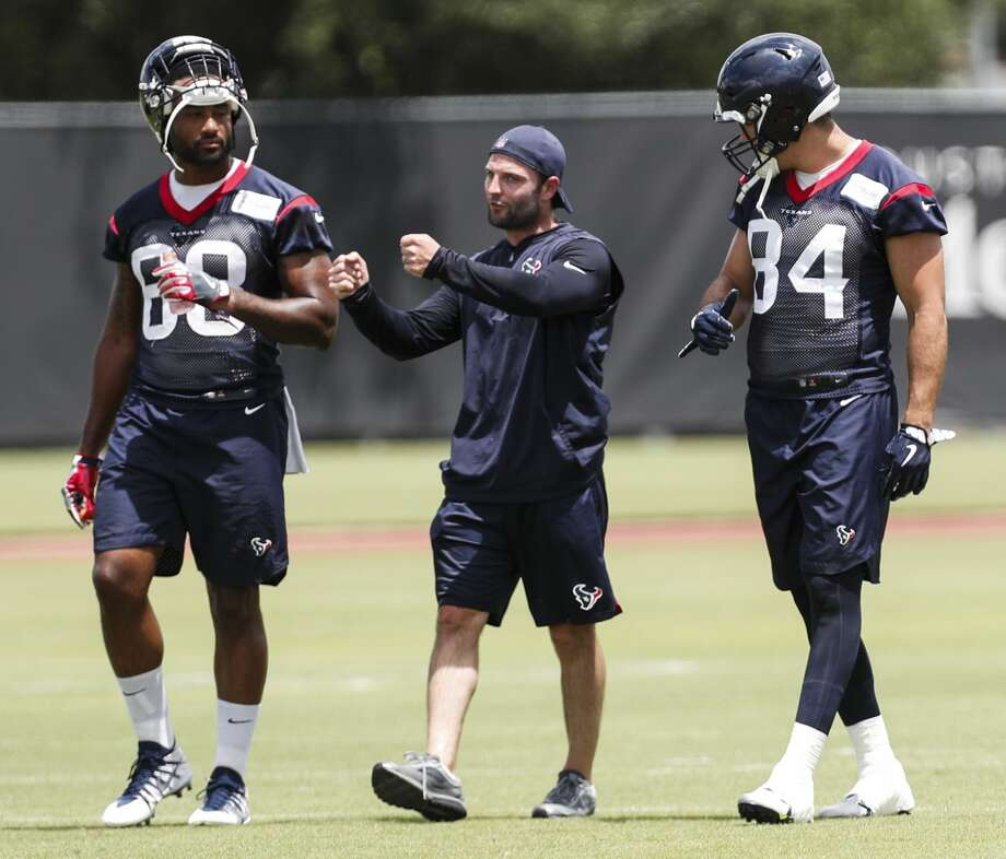 PHOTOS: Memes that summarize the seasons for Texans, Cowboys fans  Houston Texans special teams assistant Wes Welker, center, works with tight ends Jordan Akins (88) and Ryan Griffin (84) during mini camp at The Methodist Training Center on Wednesday, June 13, 2018, in Houston. ( Brett Coomer / Houston Chronicle ) >>>Browse through the slideshow for a recap of the 2018-19 seasons for the Houston Texans and Dallas Cowboys with nothing but memes ...  Photo: Brett Coomer/Houston Chronicle